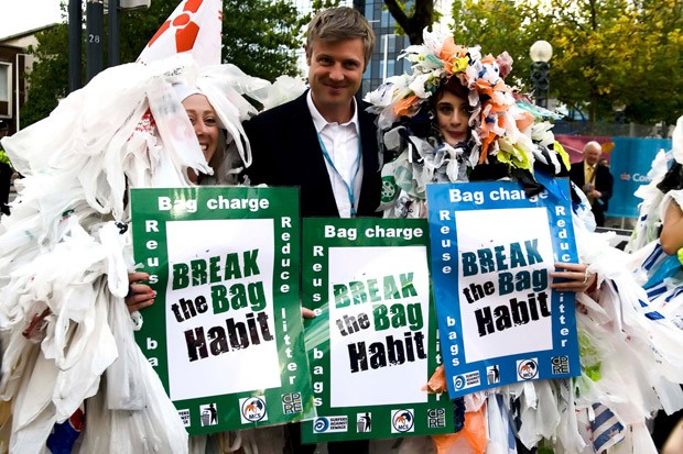 break-the-bag-habit-zac-goldsmith-mp