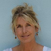 Lesley Kazan-Pinfield